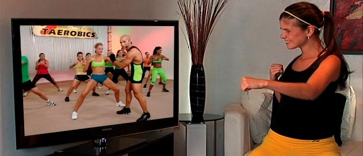 Accede a www.TAEROBICS.com para practicar TAEROBICS de manera remota desde su celular, computador persona, SmartTV o Tablet.