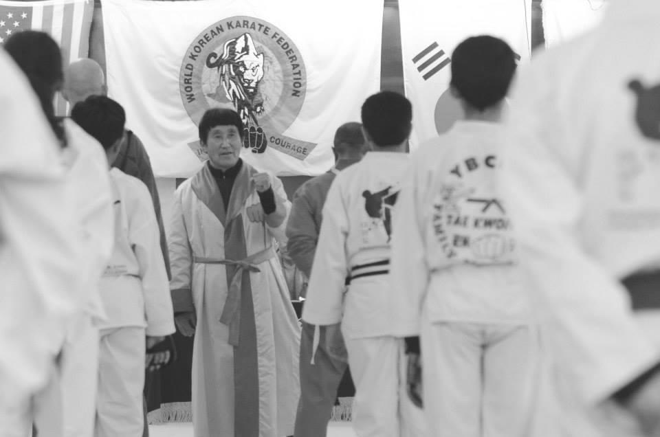 Hoy en día Grand Master Choi entrena y dicta clase a diario en su centro de artes marciales en New Brunswick, New Jersey.