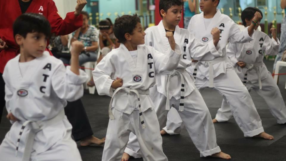 Las clases de taekwondo estimulan a los niños a alcanzar sus objetivos