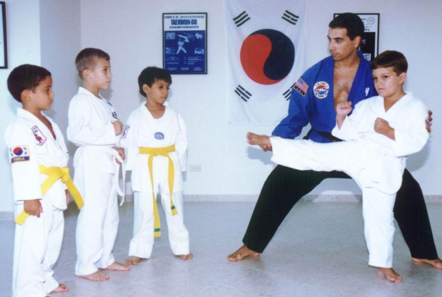 Las artes marciales logran construir autoestima en los niños para combatir el bullying